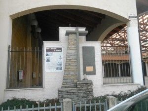 g piazza molines monumento 2